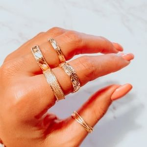 NEW 5pc textured gold band ring set